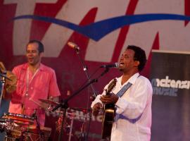 100430 Cultura. Musica. Festival Tensamba -Pereira Da Viola. Plaza del Principe. Santa Cruz de Tenerife. Tenerife. Islas Canarias (C) Aaron S. Ramos/AD7.es